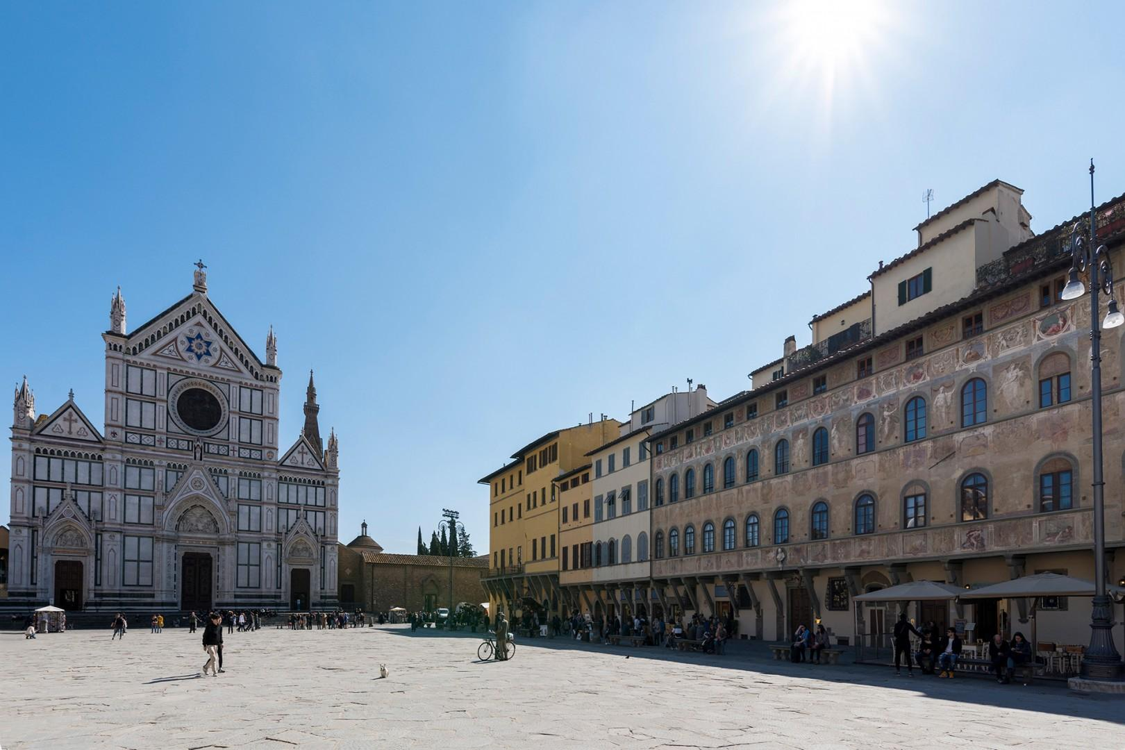 The apartment is located in a beautiful palazzo on the famous Piazza Santa Croce.