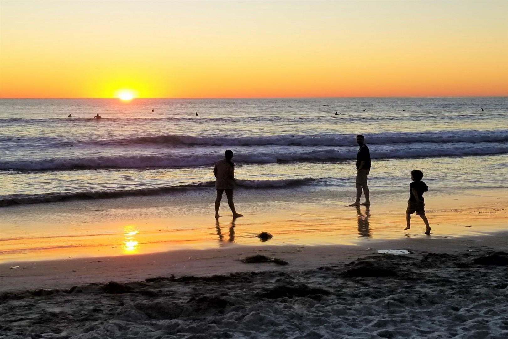 Pacific-Beach_sunset_Bluewater_Vacation_Homes