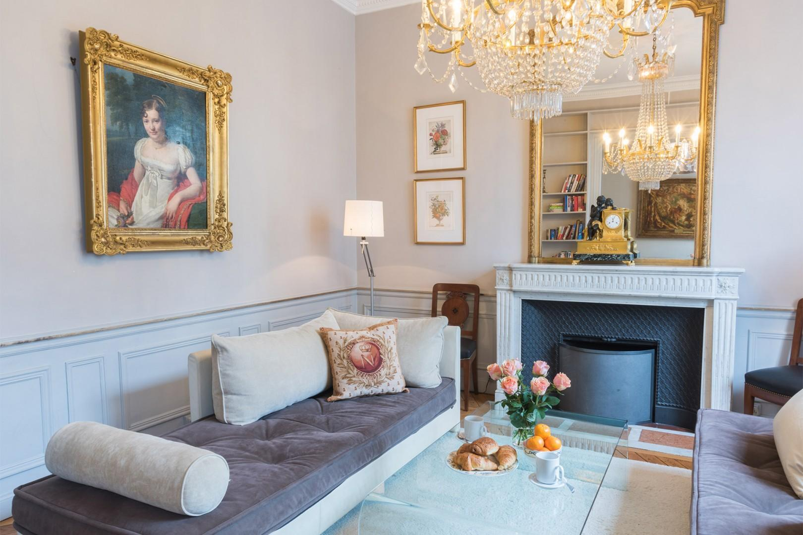 You will find refined French décor in living room 1.