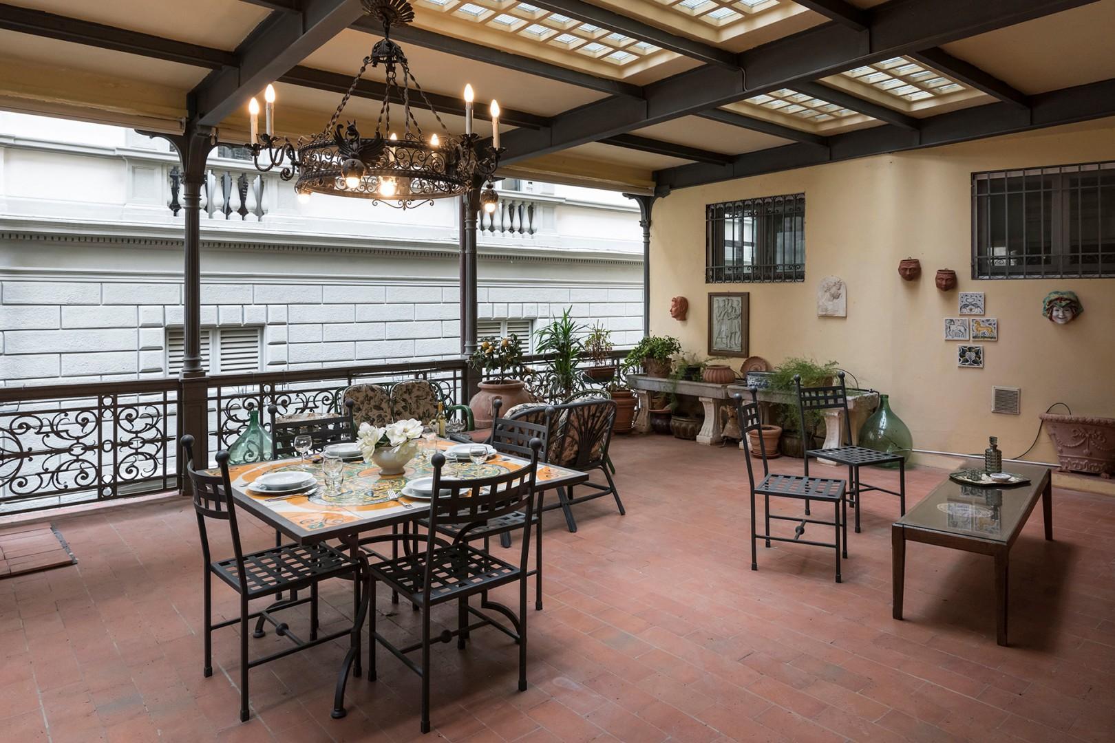 Enjoy meals al fresco on the large shady terrace.