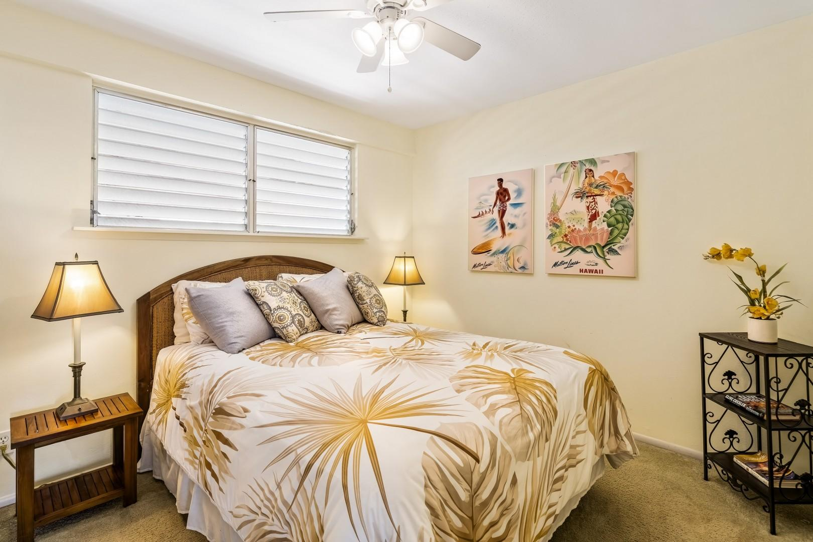 Guest bedroom equipped with Queen bed