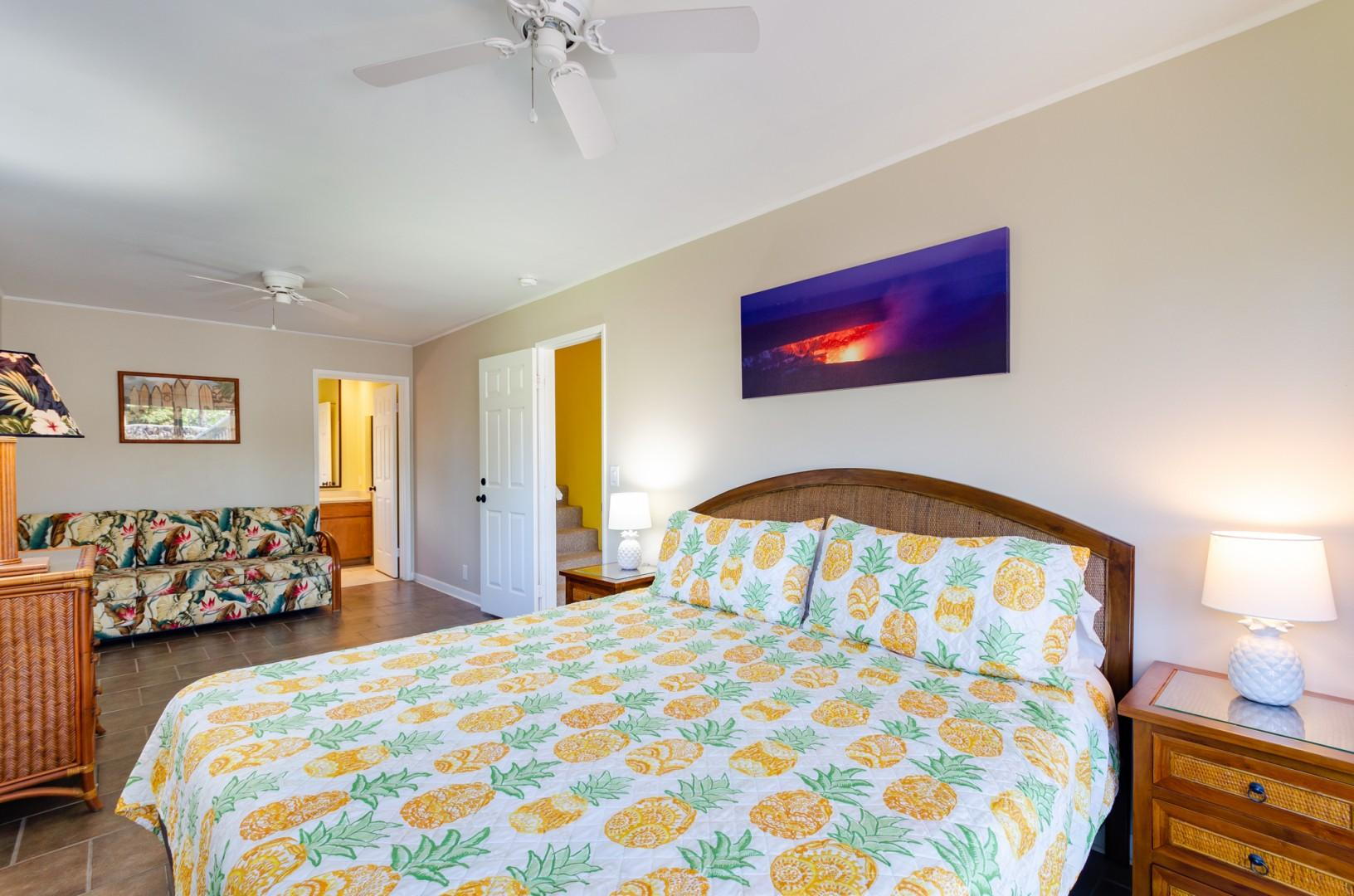 Downstairs oversized guest bedroom with A/C