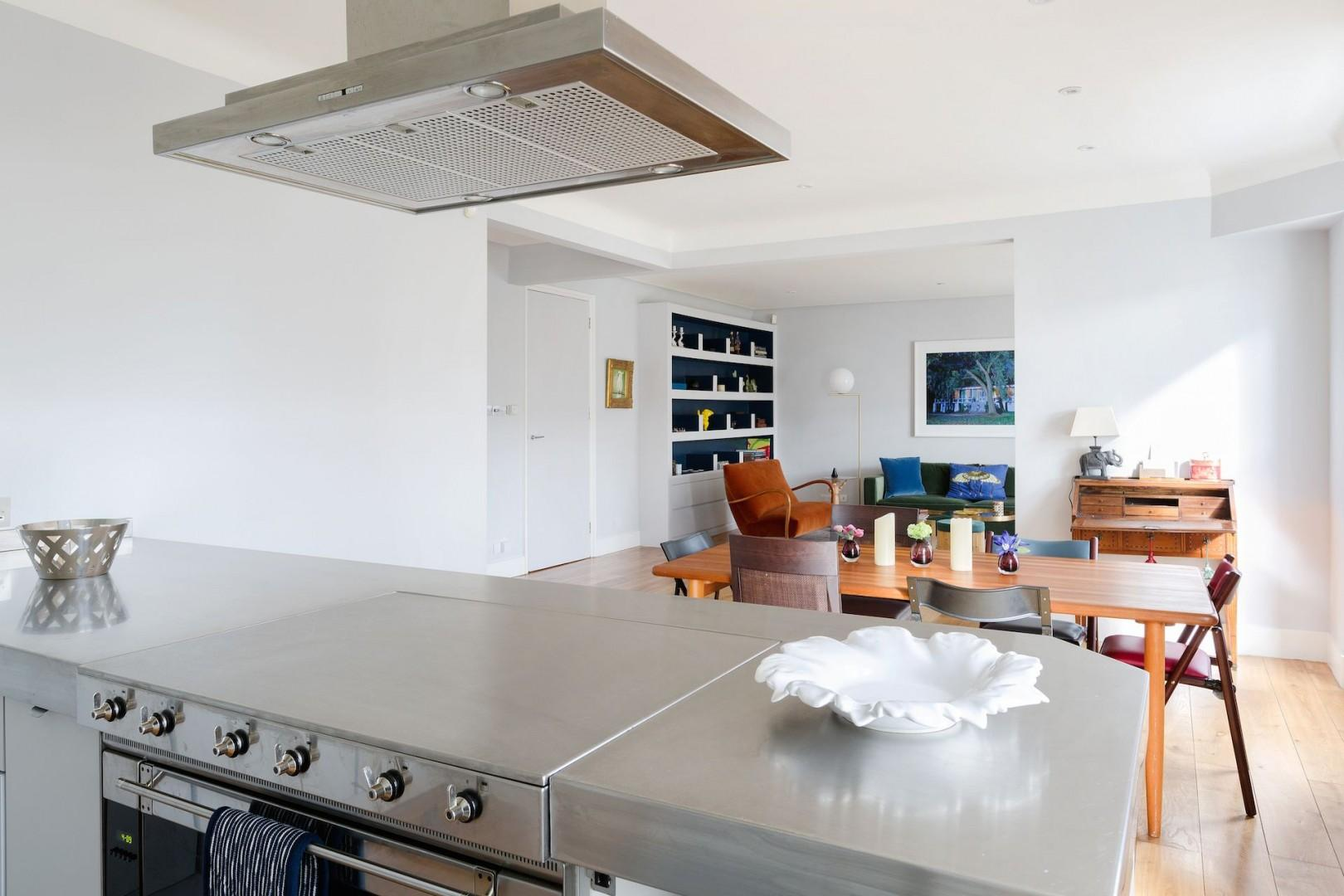 Kitchen island and open plan are perfect for entertaining