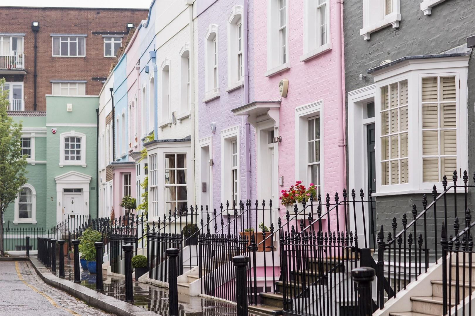 CMS-09-(The Walton is set in South Kensington near Chelsea and Knightsbridge)-957570754-1508849501-chelsea-colorful-buildings