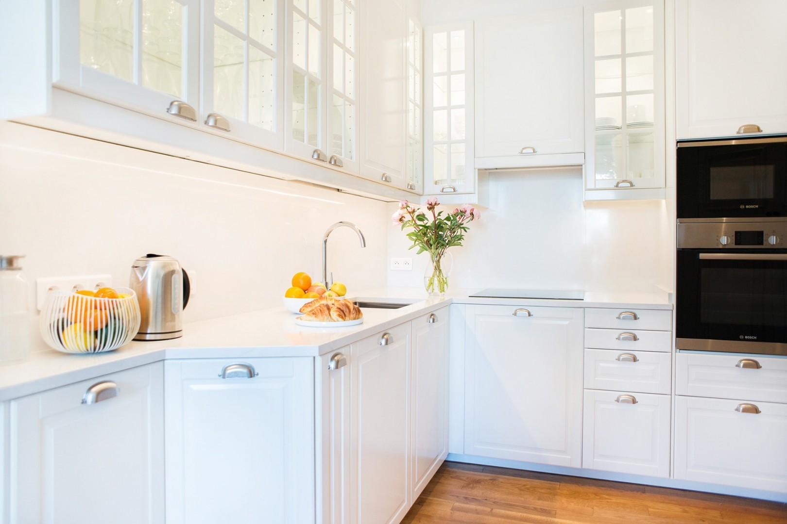 Have fun preparing meals in the open-plan modern kitchen.