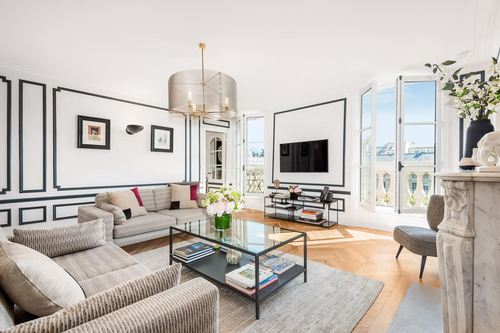 This sprawling apartment offers masses of charm.