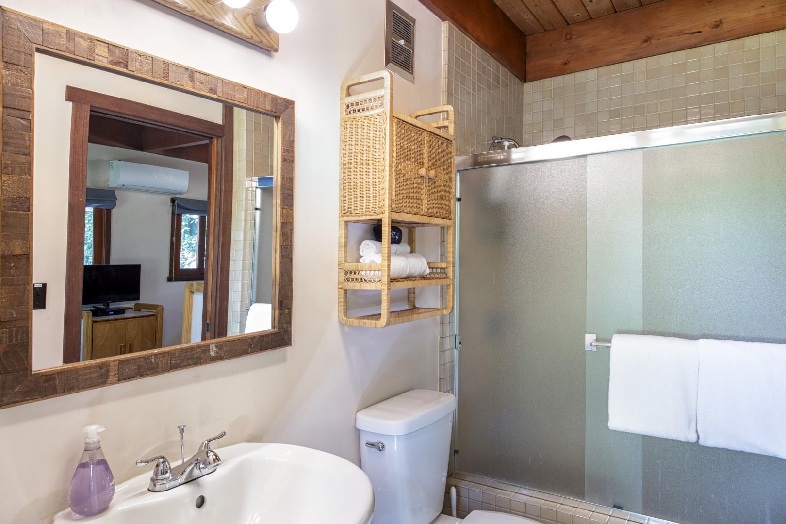 15. Thrid Bedroom En-Suite (Jack and Jill set up)