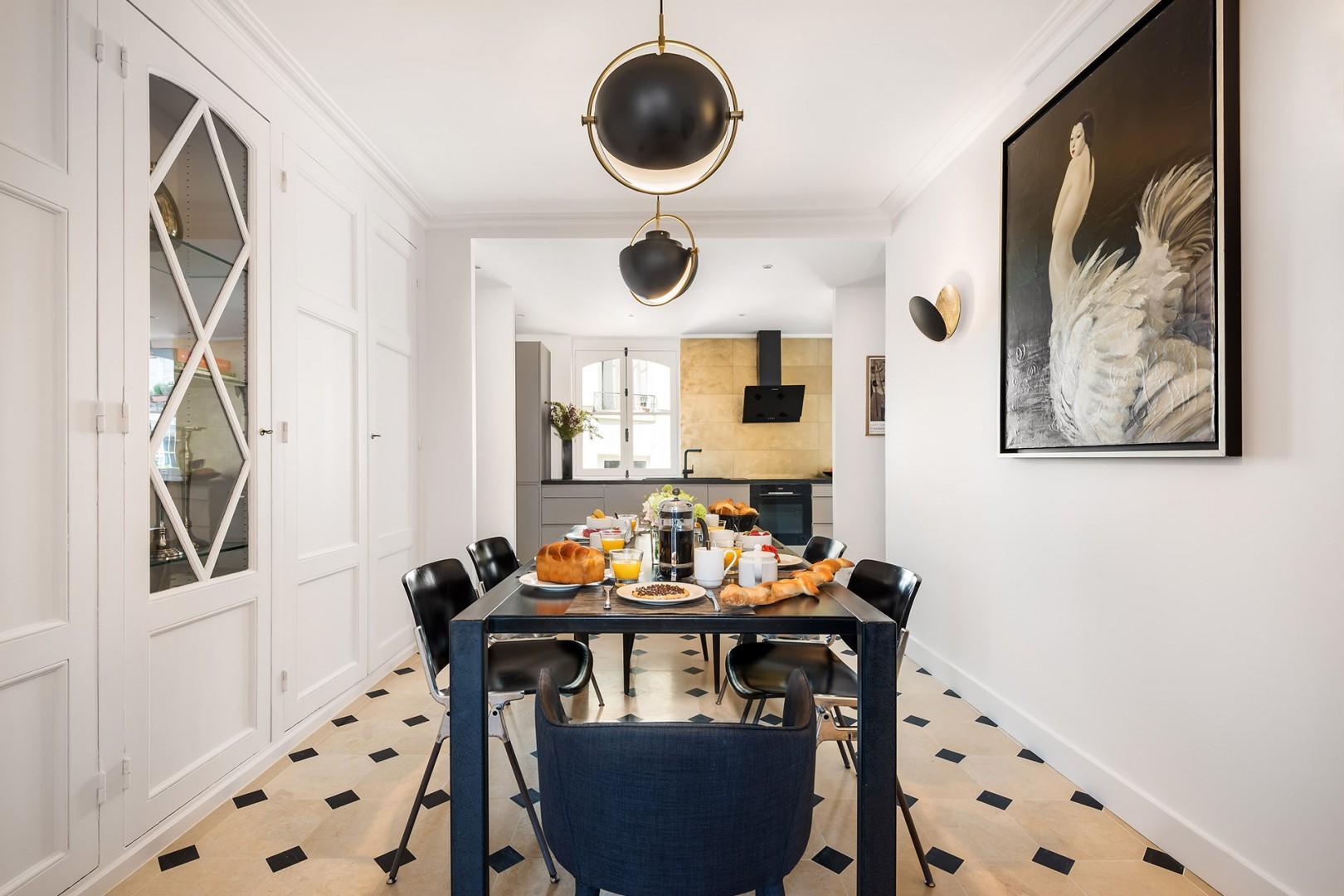 Enjoy the classic French details, like parquet floors and a high ceiling.