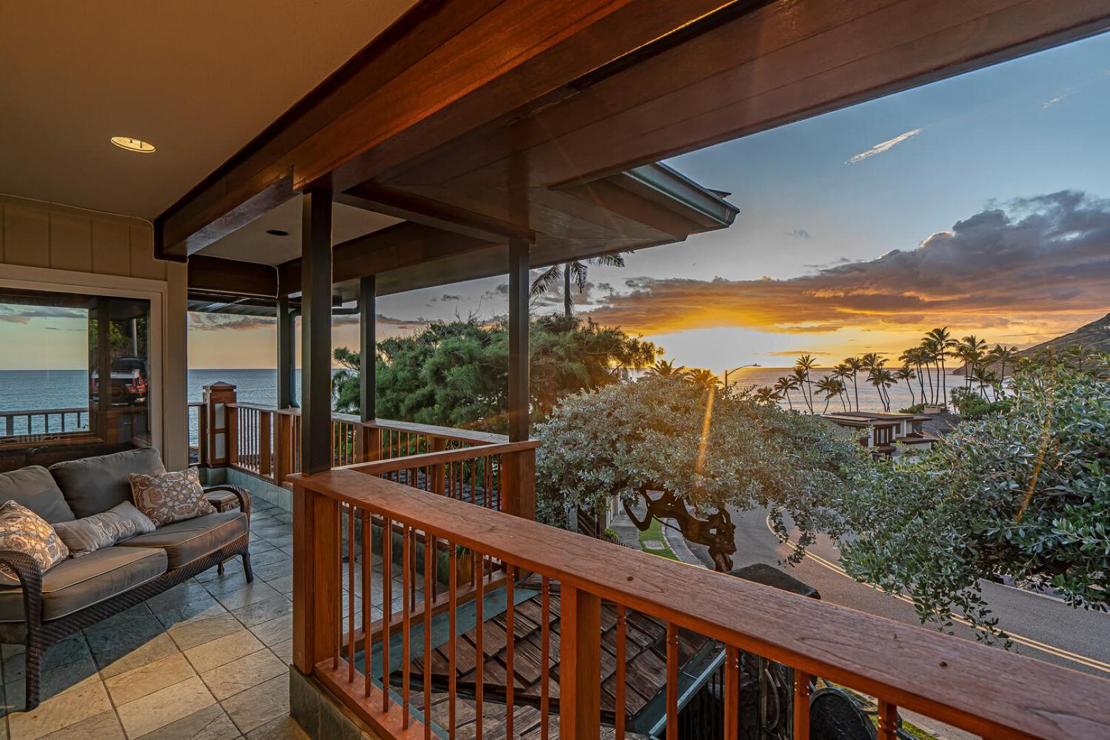 Lanai with Diamond Head and ocean views
