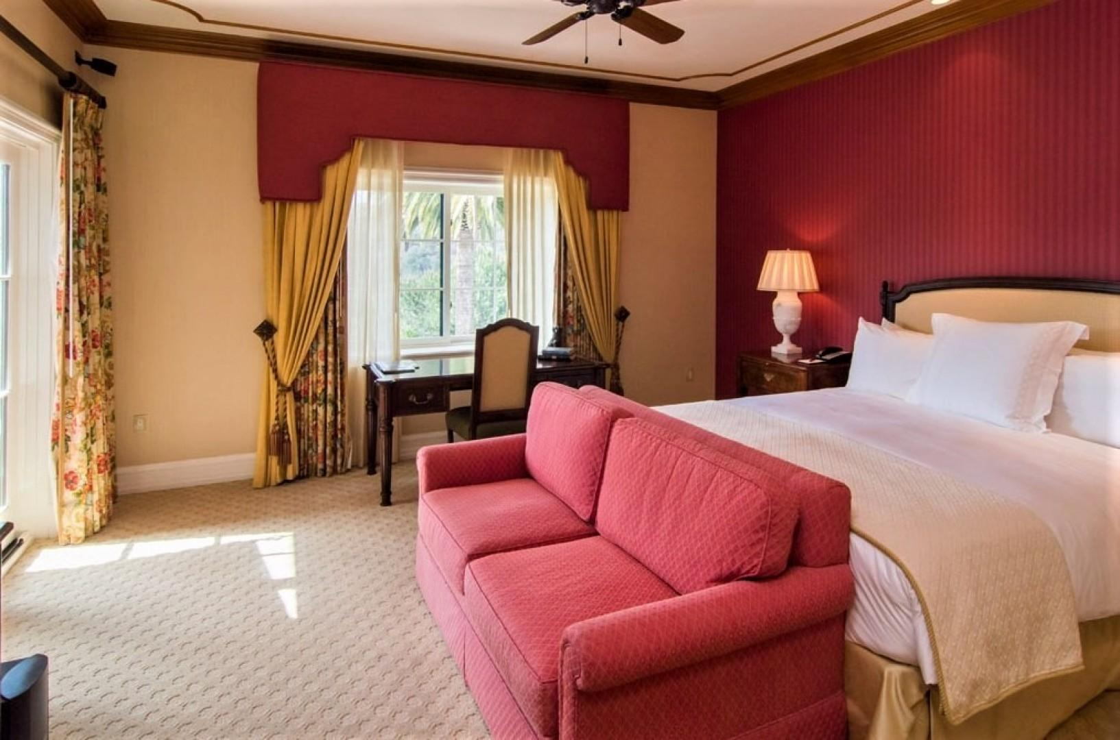 Villas_at_Grand_Del_Mar_Loggia_Bedroom_03