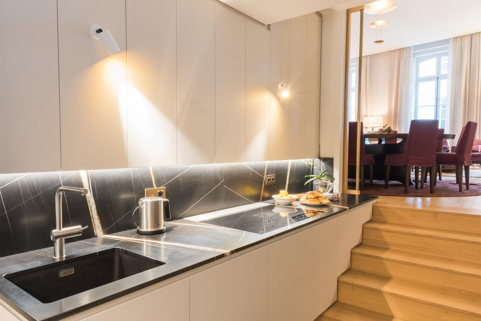 Gourmands will love this beautifully designed kitchen.
