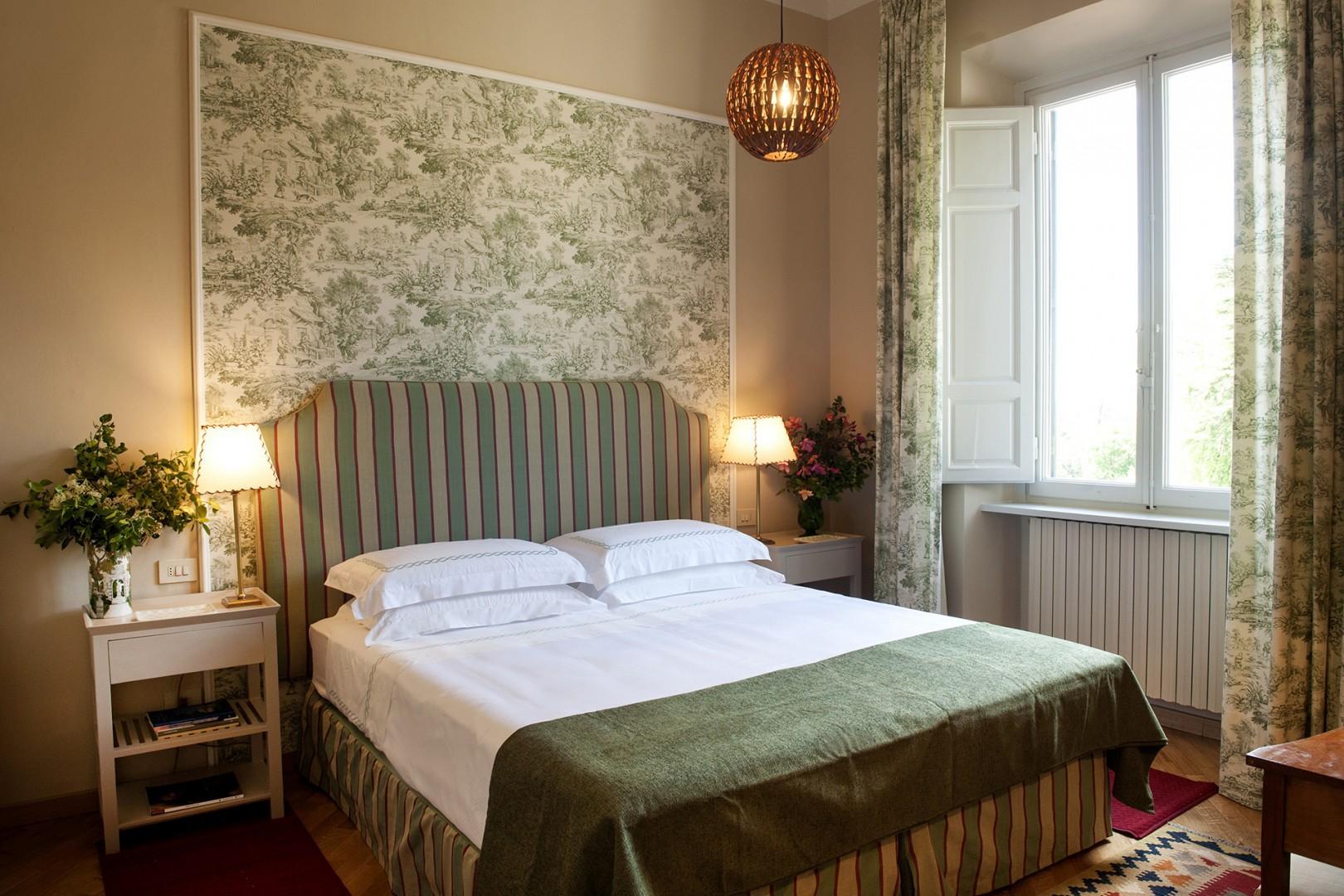 Bright bedroom 2.