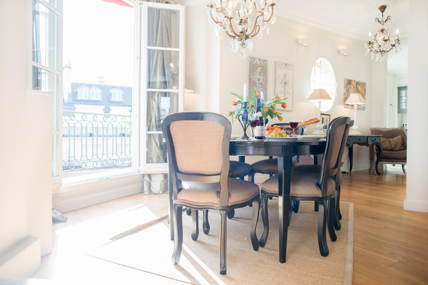 Enjoy dinner parties with a view at home!