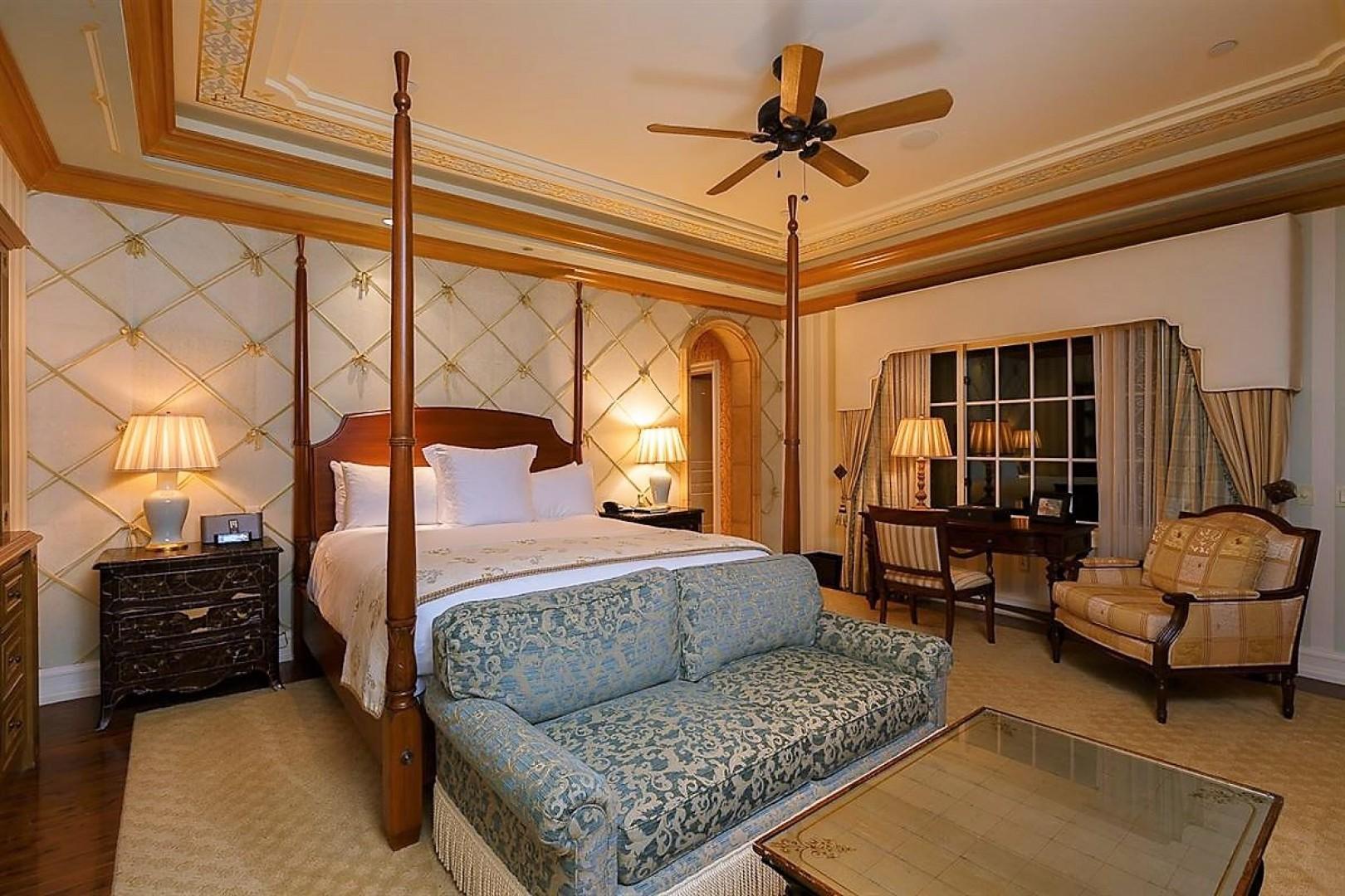 Villas_at_Grand_Del_Mar_Loggia_Bedroom_08