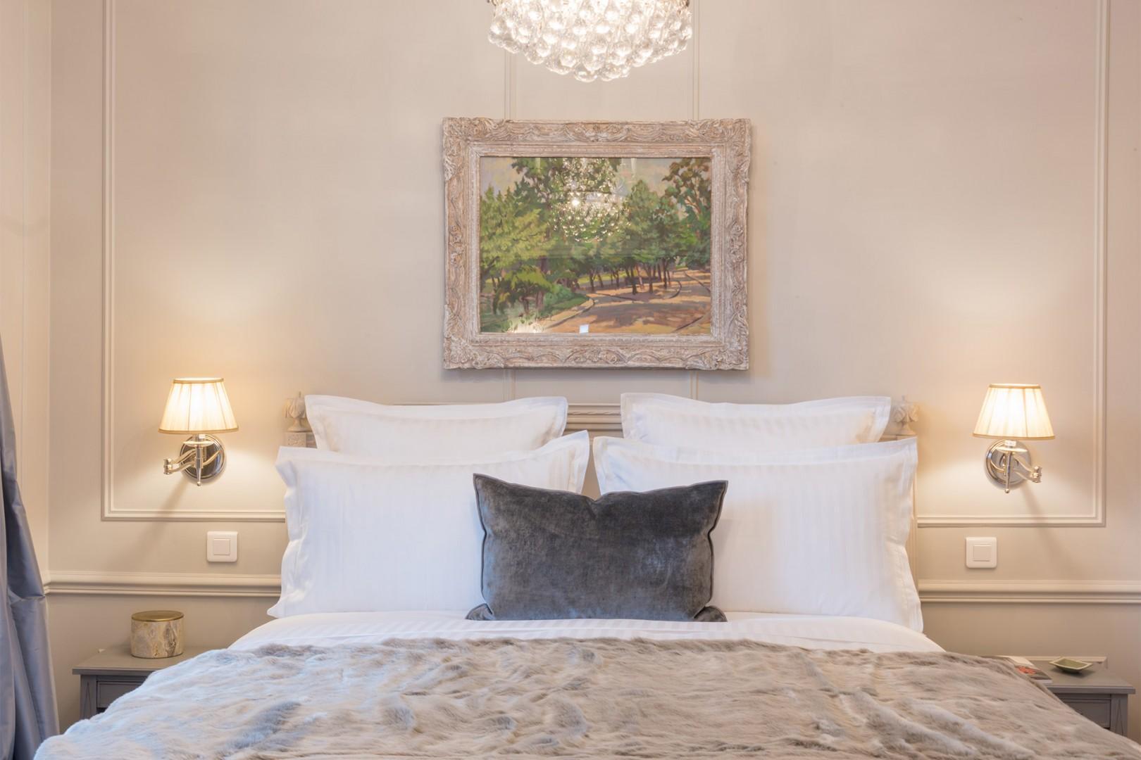 Soft romantic lighting in the bedroom