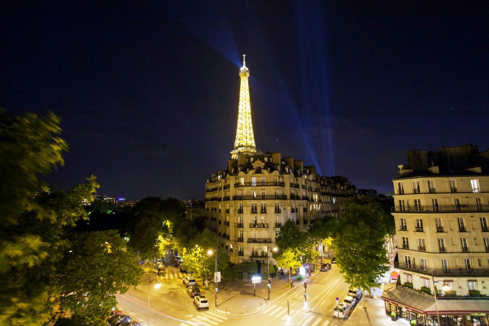 You'll never grow tired of this incredible Eiffel view!