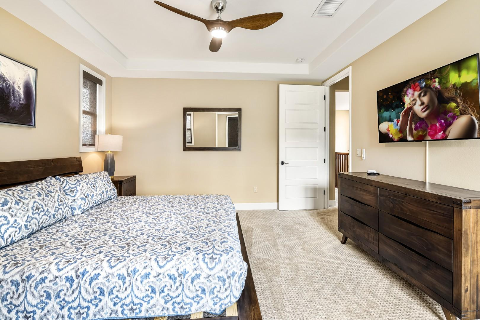 Eastern King bed, TV, A?C, Ocean views, ensuite, walk in  closet, soaking tub and private Lanai are just some of the wonderful features found in the Master bedroom!