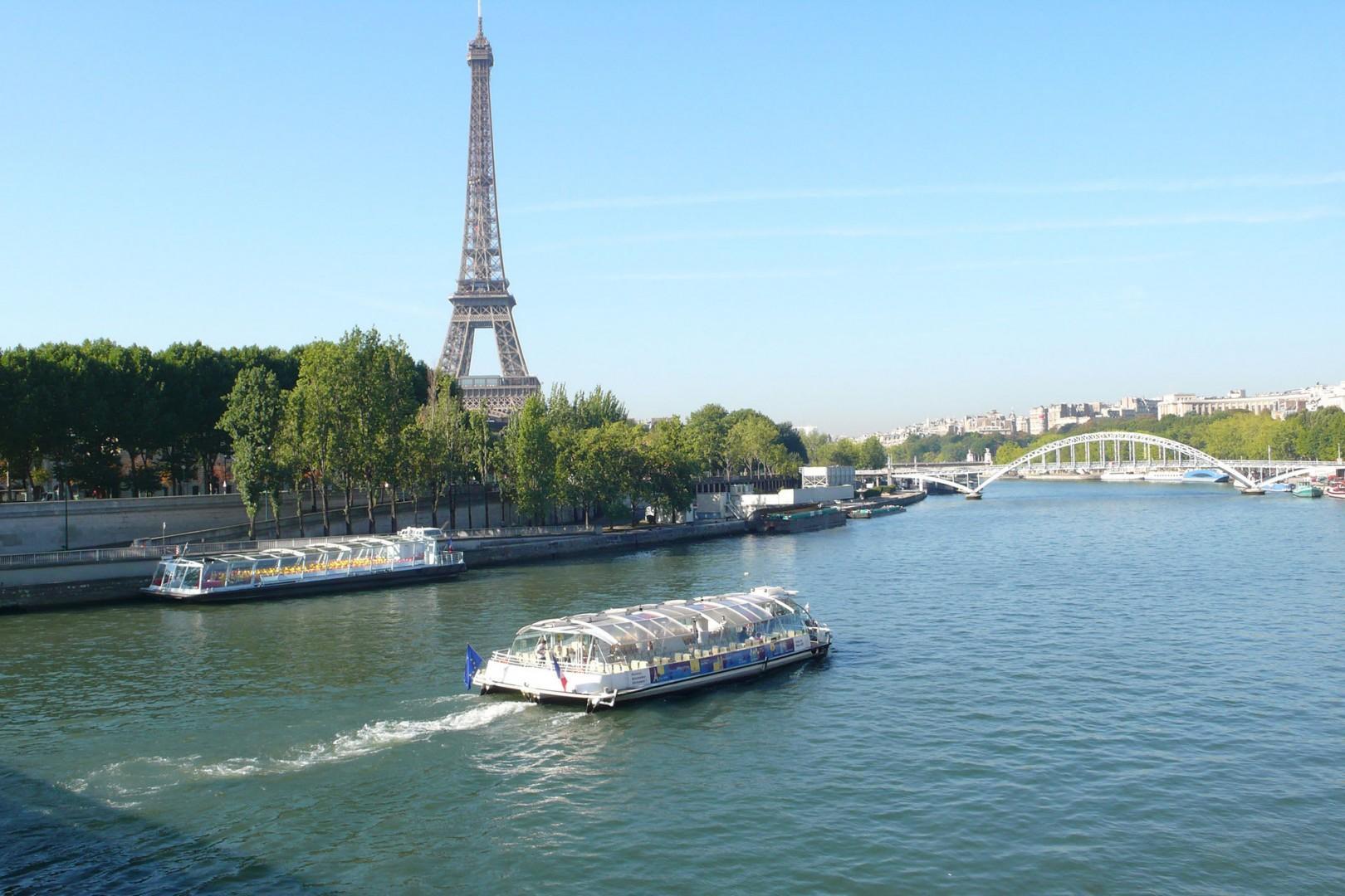 Enjoy a cruise along the Seine