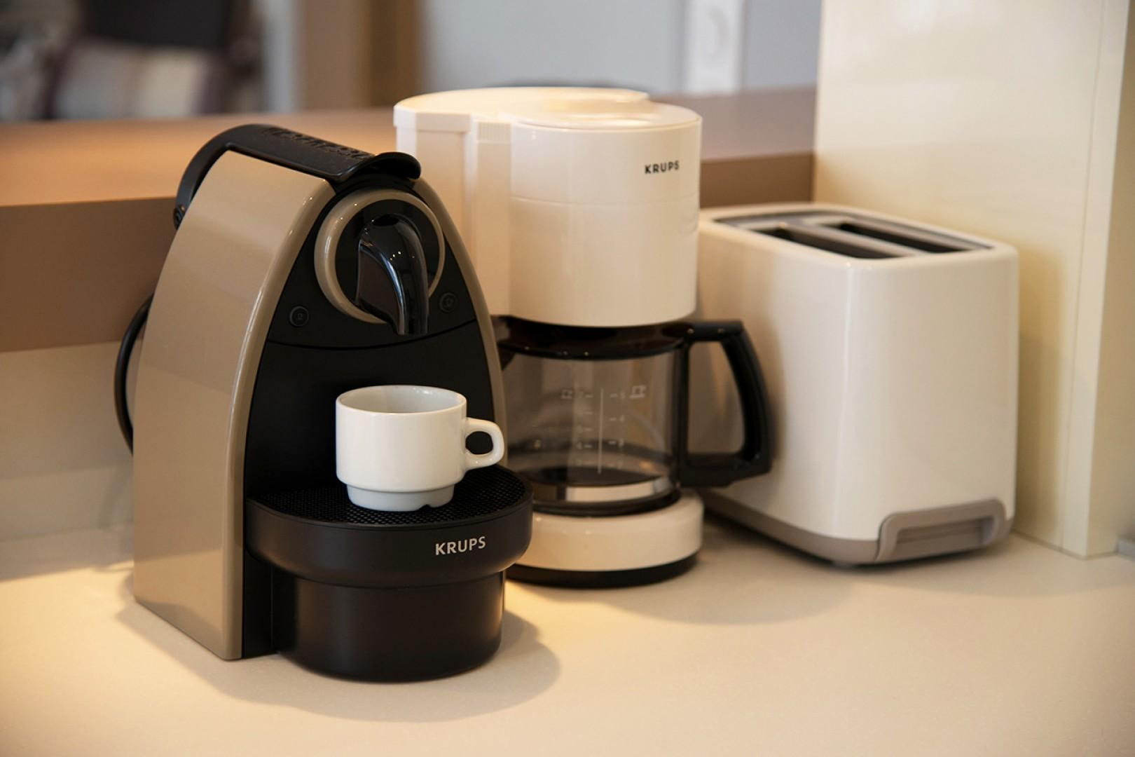 Drip coffee maker and Nespresso for coffee lovers!