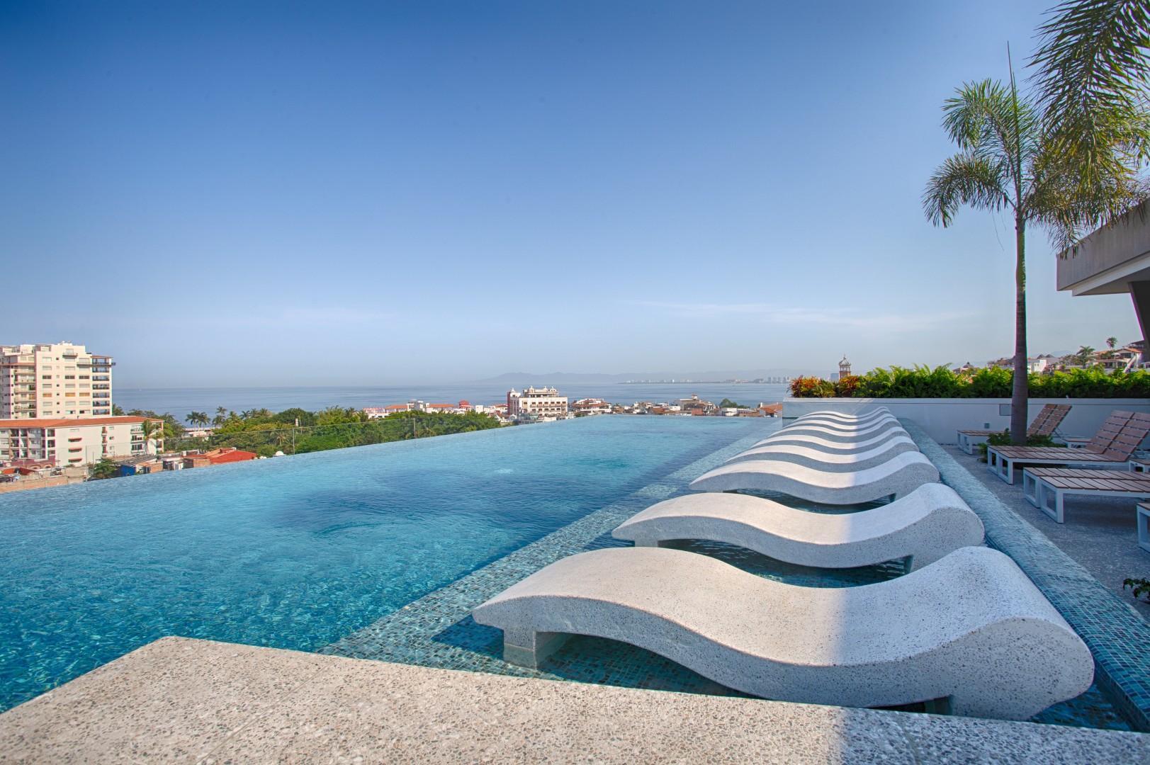 NEW Condo @ AVIDA   Great Location, Stunning Amenities