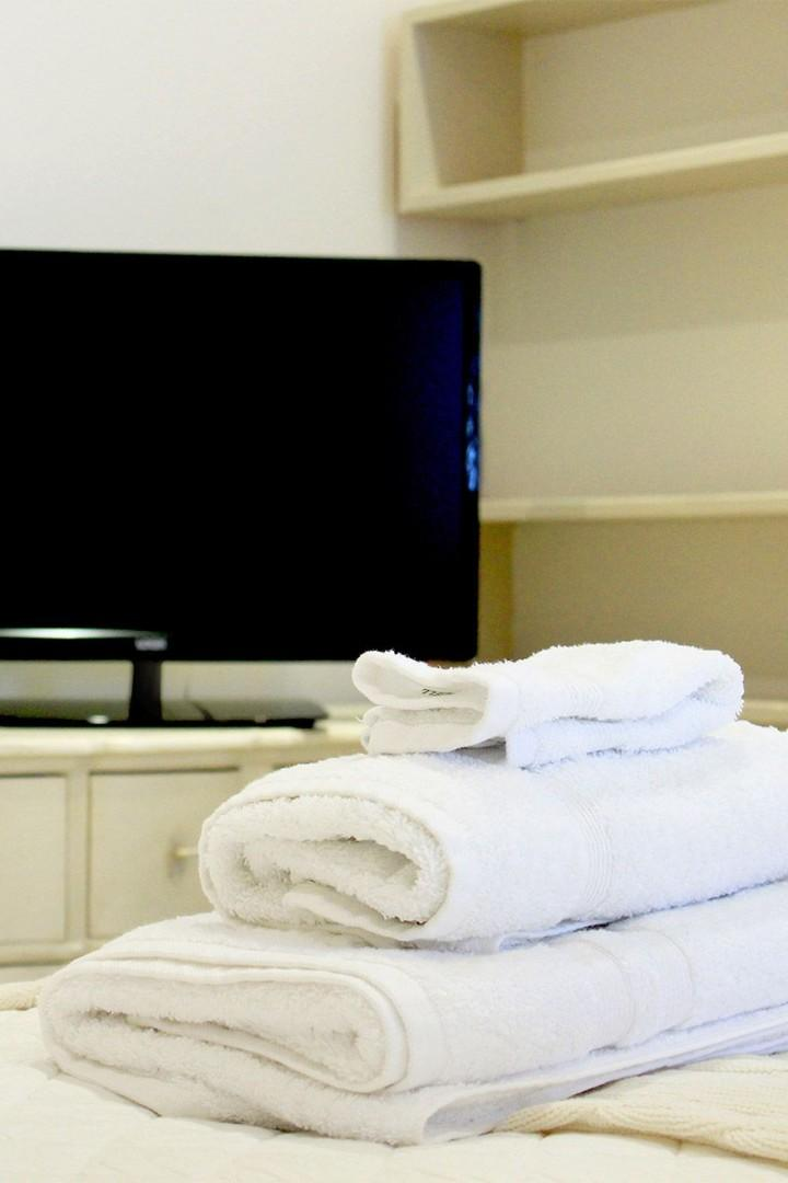 Fluffy towels and a flat screen TV await your stay!