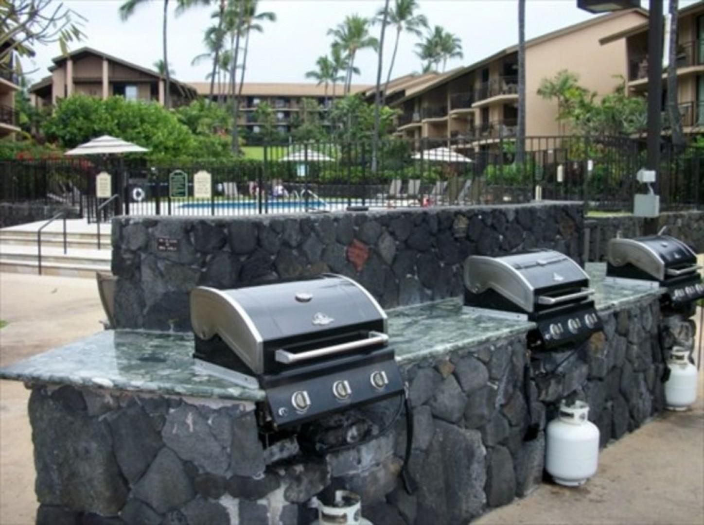 Kona Makai Complex BBQ Facilities