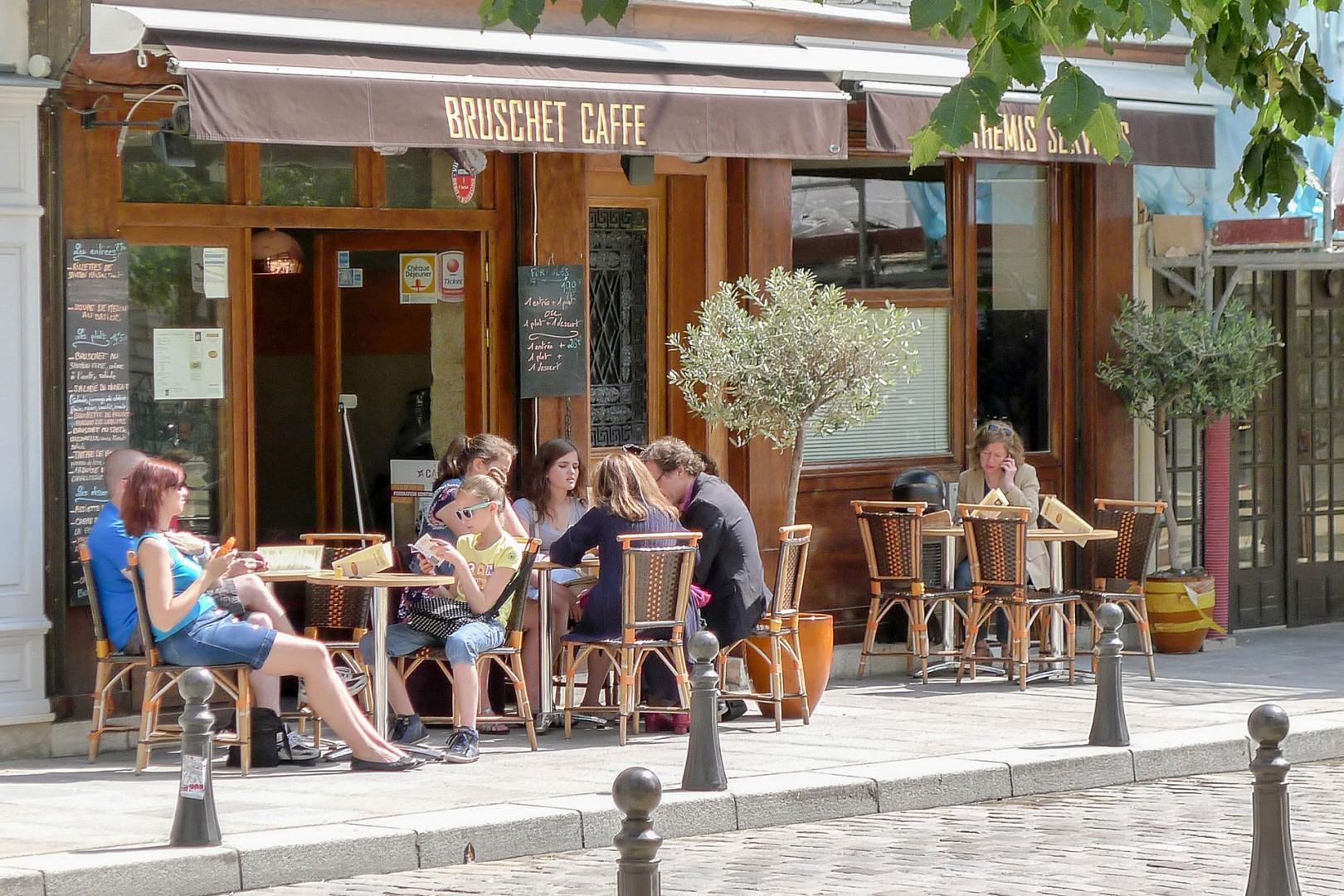 14-cafe-place-dauphine