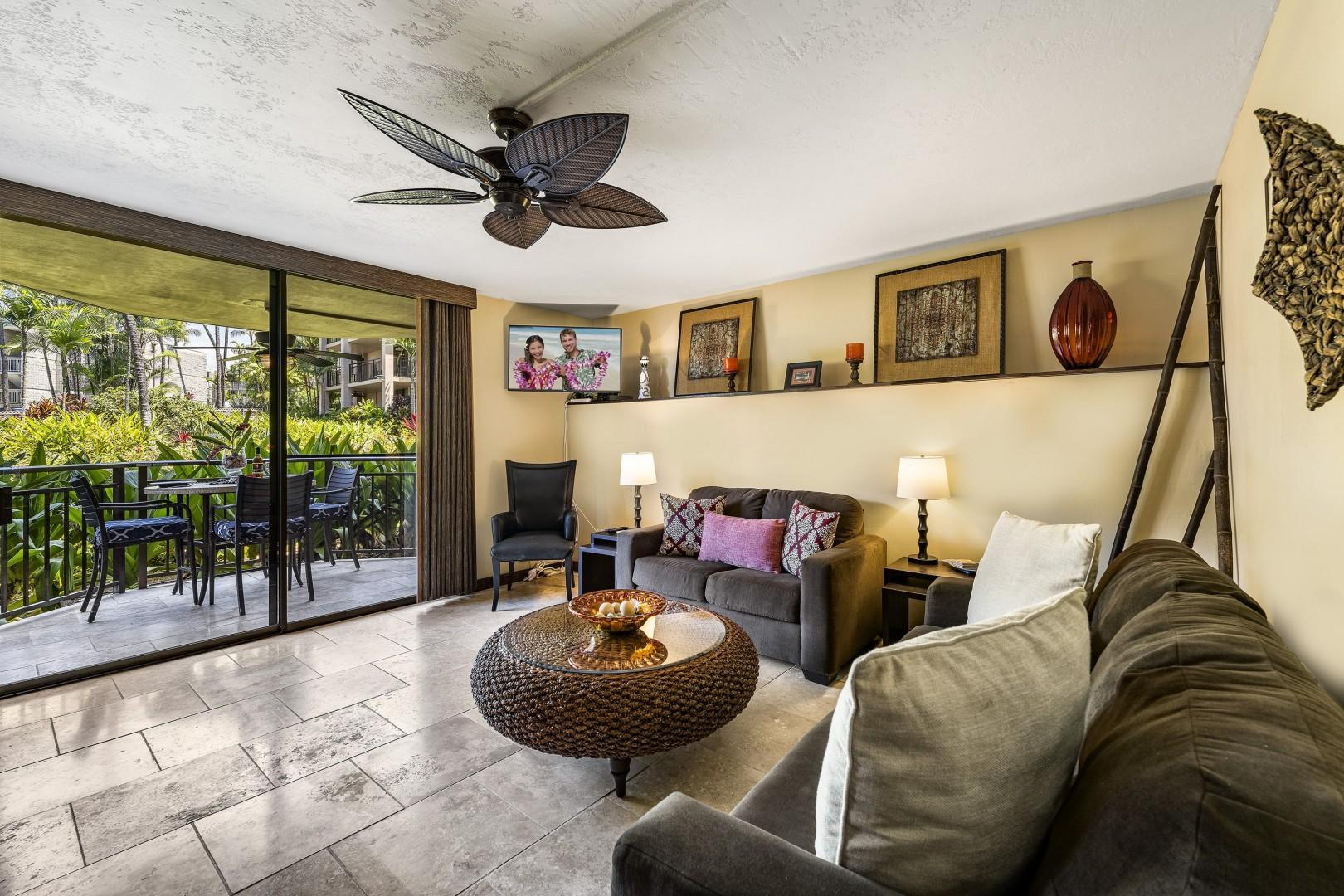 Coming into the living room from the Lanai