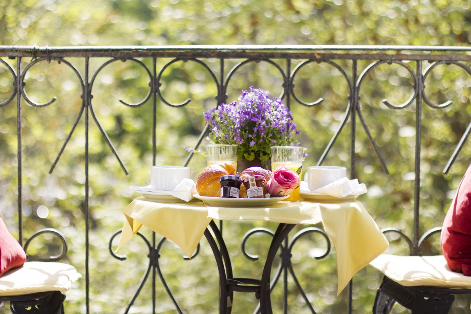 Immerse yourself in the Parisian dream at the Chambertin!
