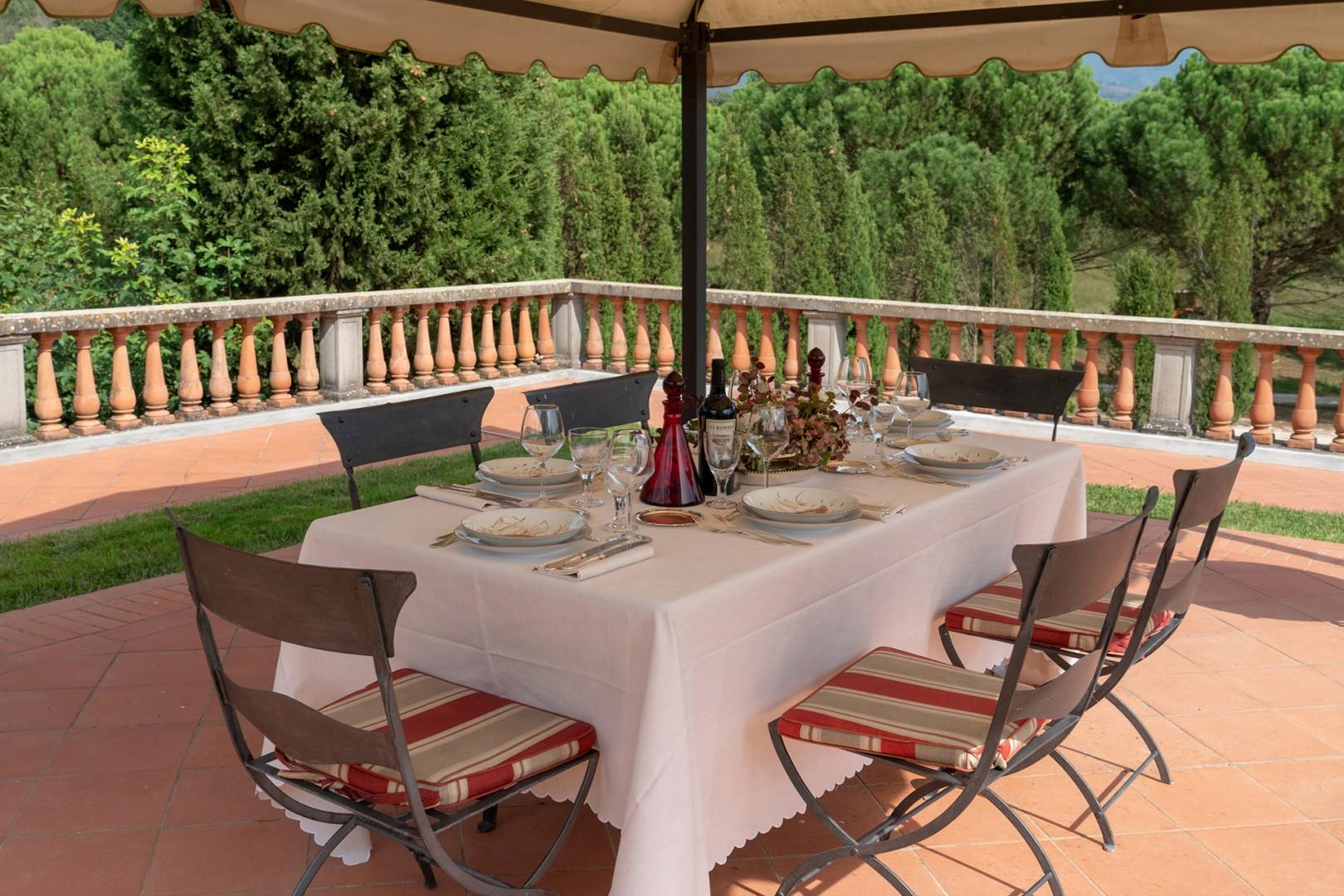 Lovely dining area on terrace.