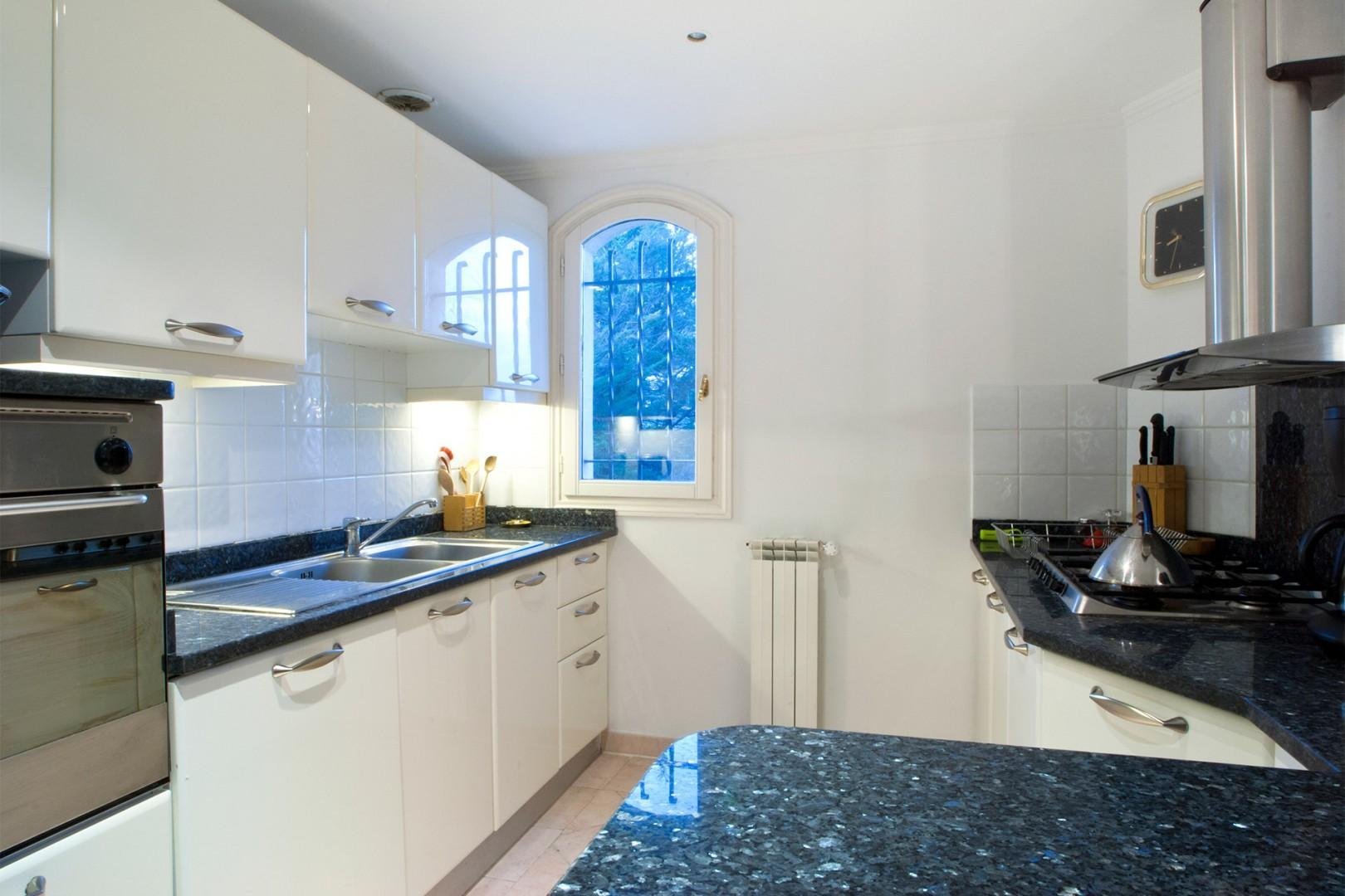 Main kitchen, fully equipped with everything you need