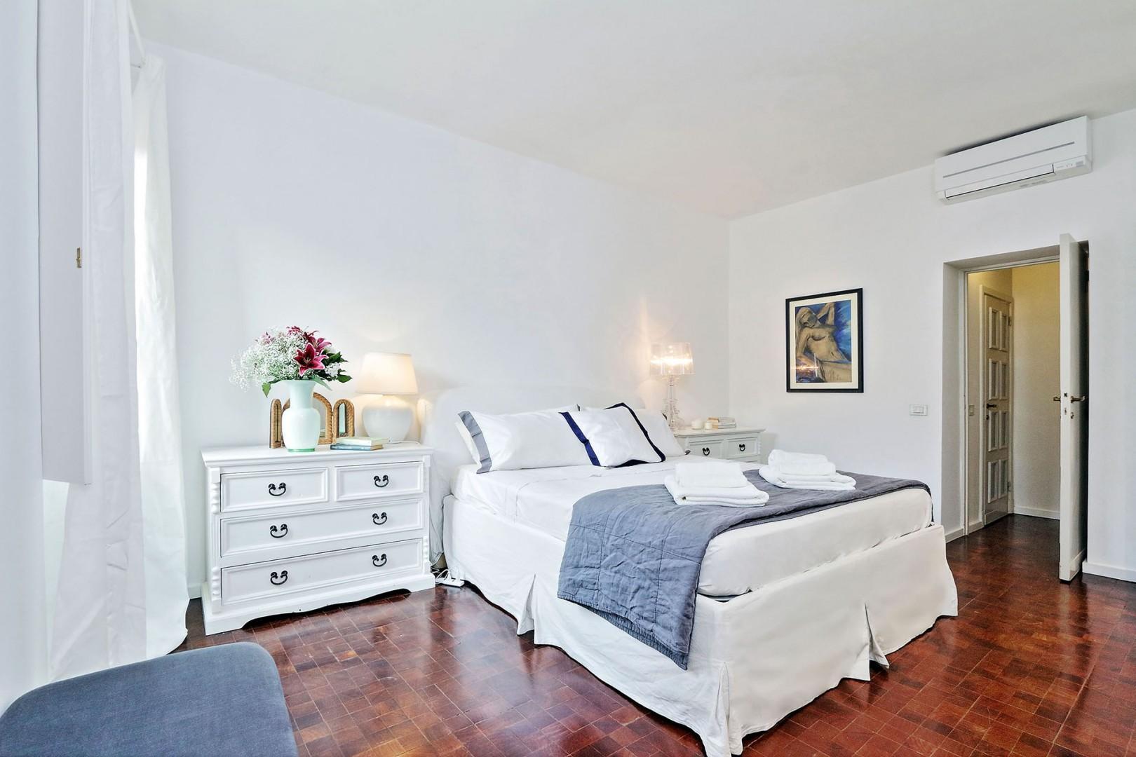 Tastefully decorated bedroom 3 with en suite bathroom.