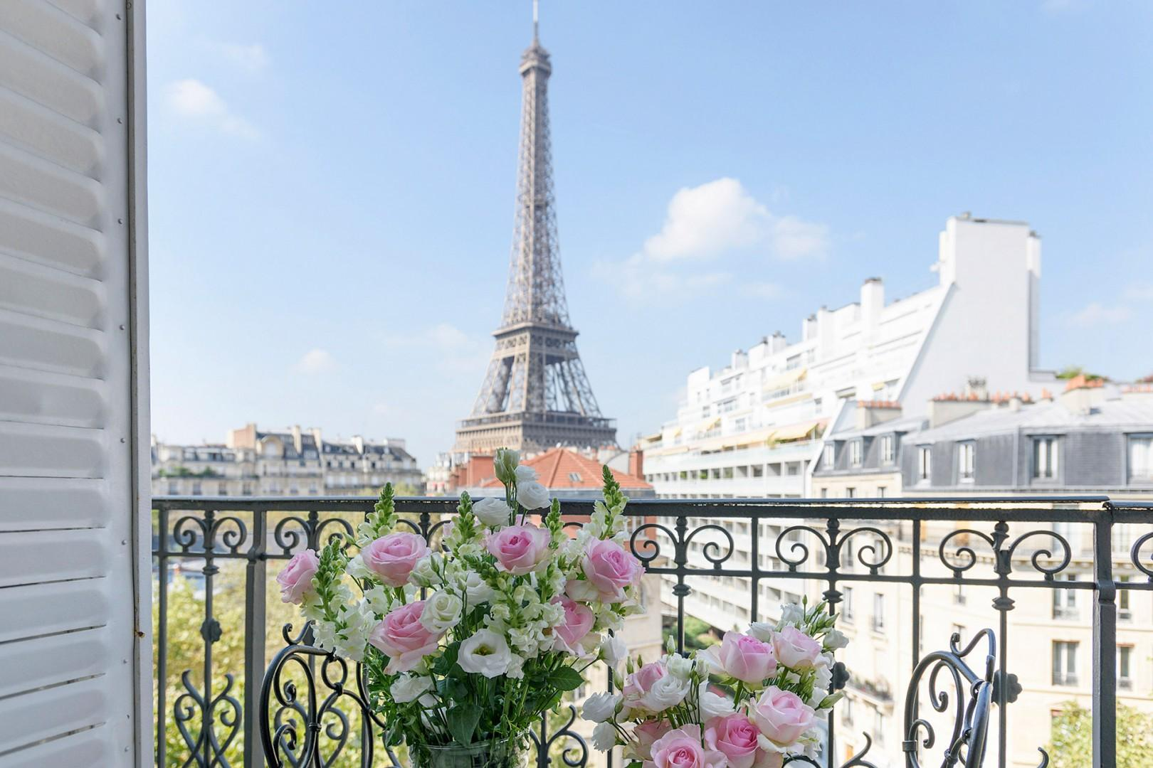 Enjoy your direct view of the Eiffel Tower.