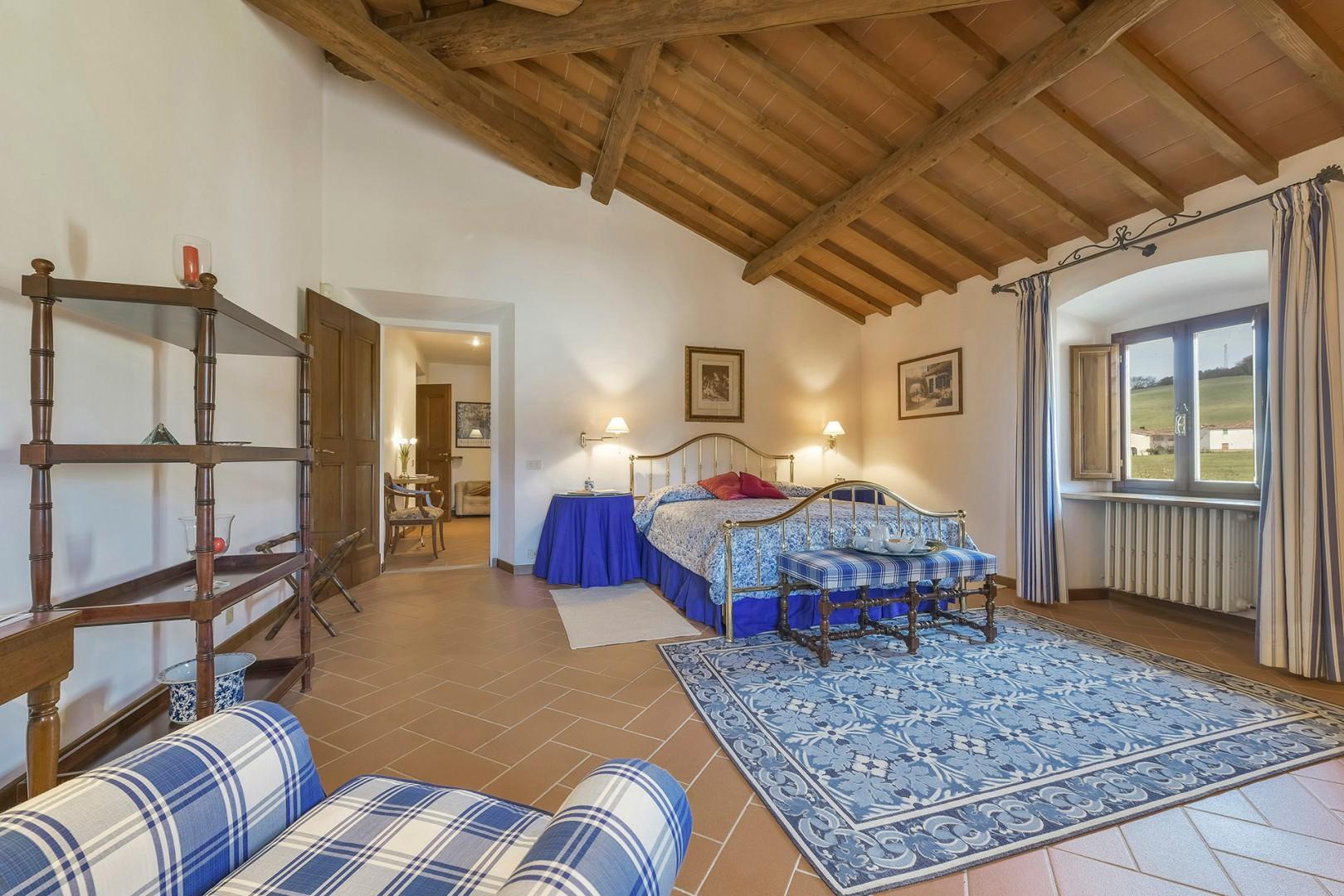 Large bedroom 1