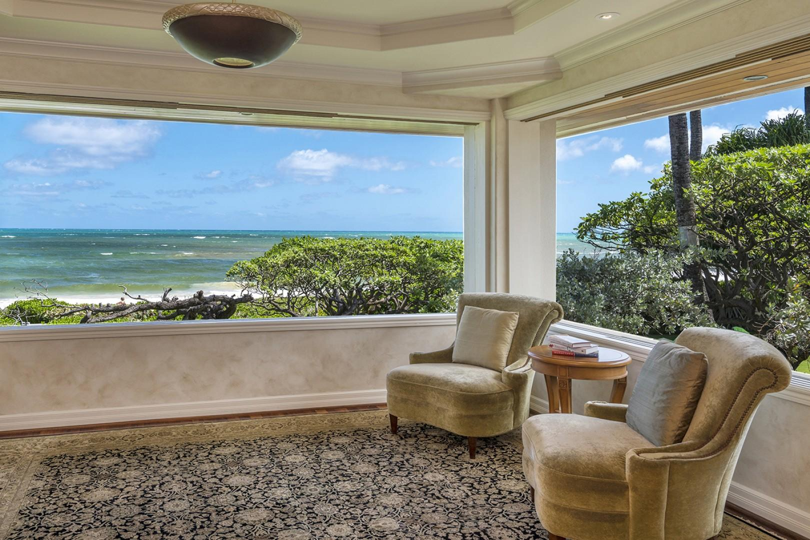 Main house: Windows fully open and welcome the ocean breeze.