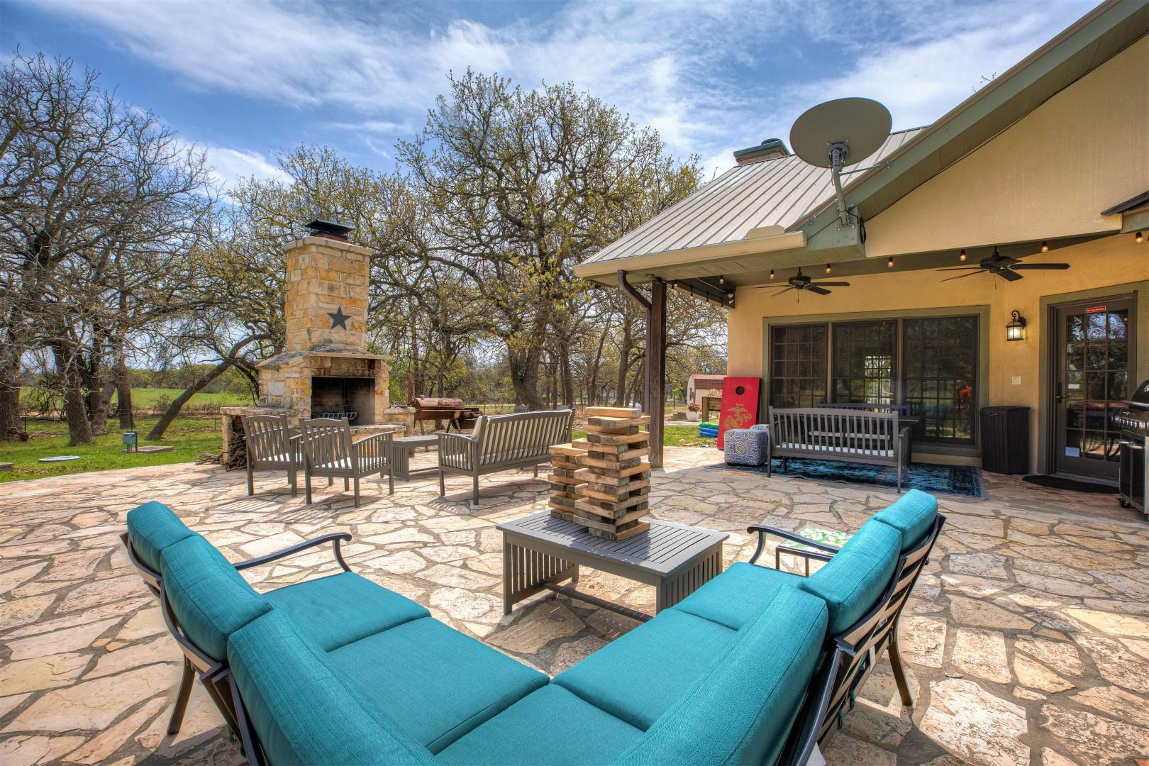 New! Hill Country Dream House w/Pool Table&Firepit&GameShed