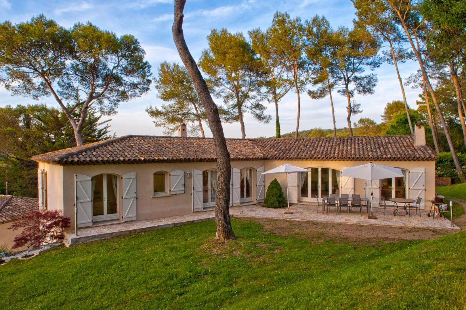 Luxury and privacy in your very own French villa