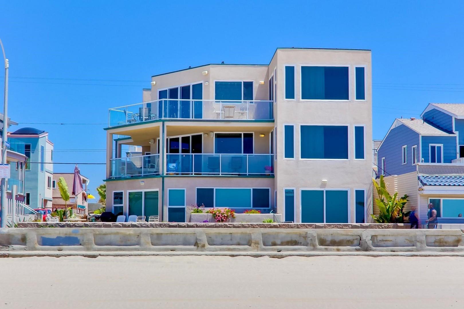 3779-oceanfront-walk-001_2100x1400