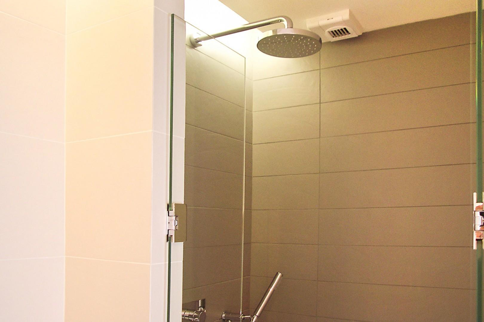 Start your day with an energizing shower!