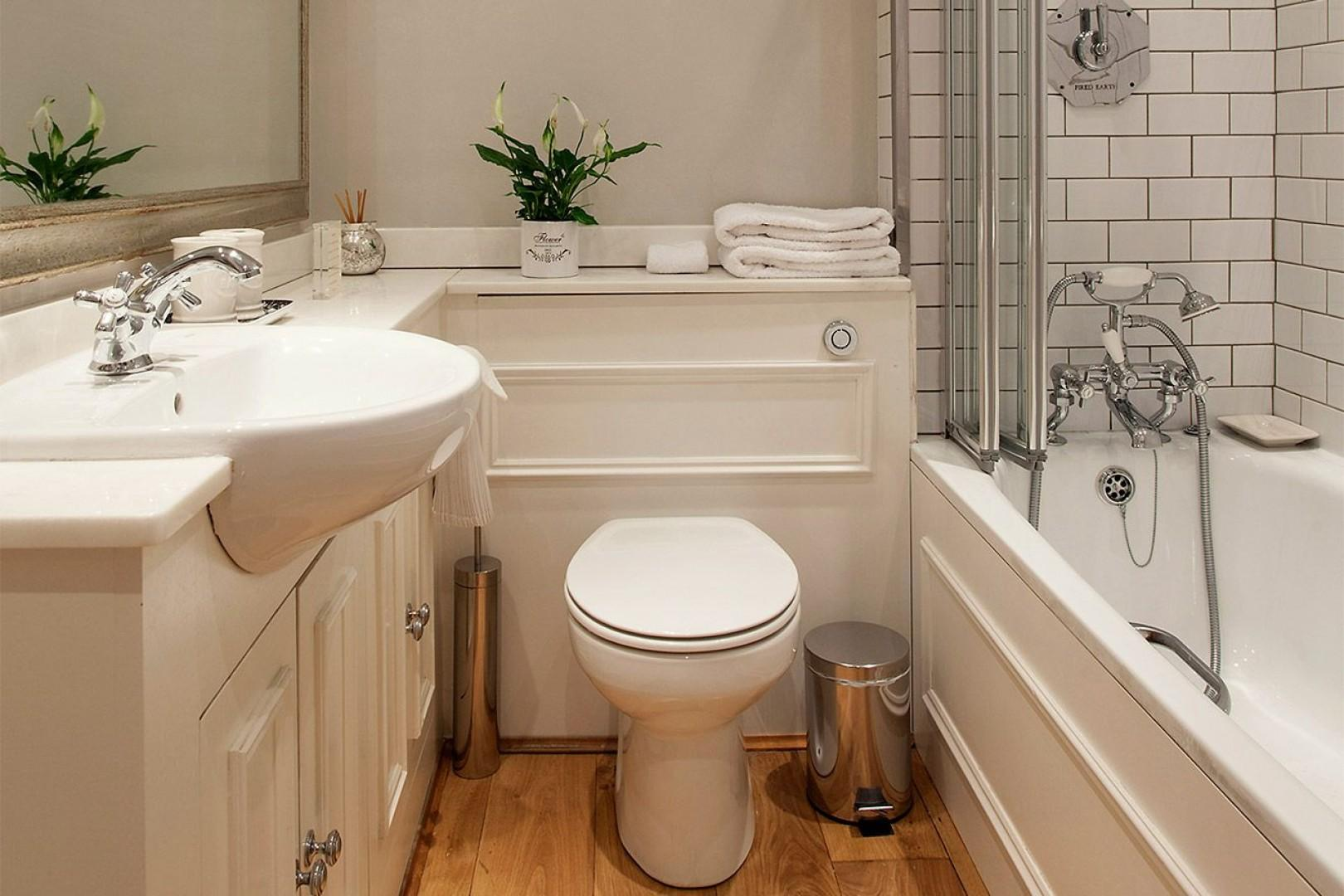 Convenient bathroom 2 with all the comforts of home