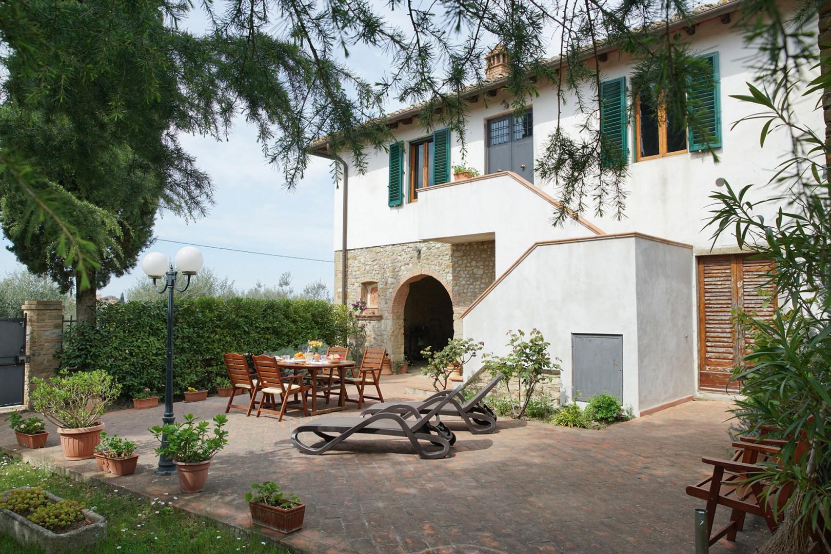 Casa San Vito is a gracious restored Tuscan farmhouse.