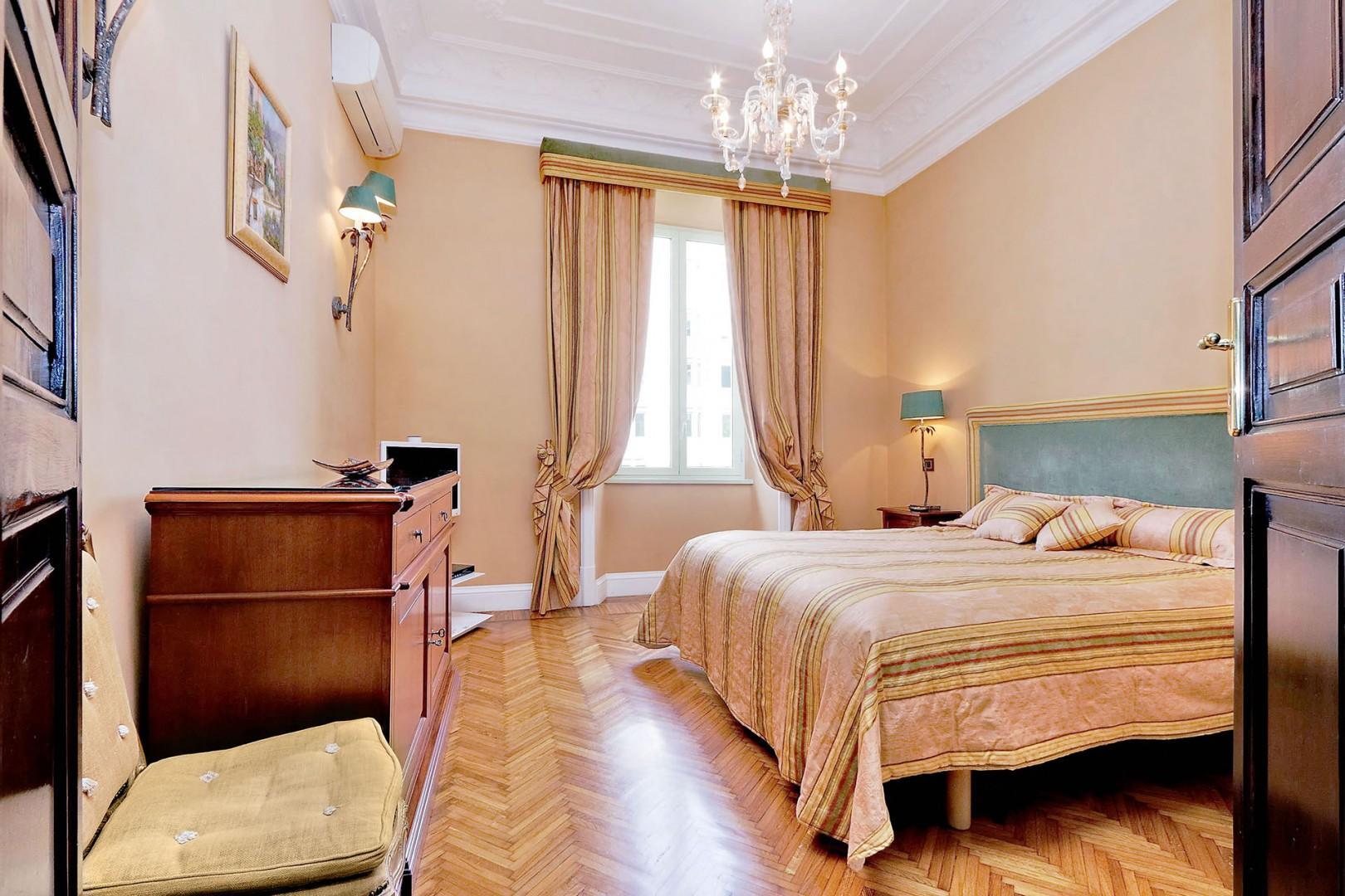 Gracious bedroom 2