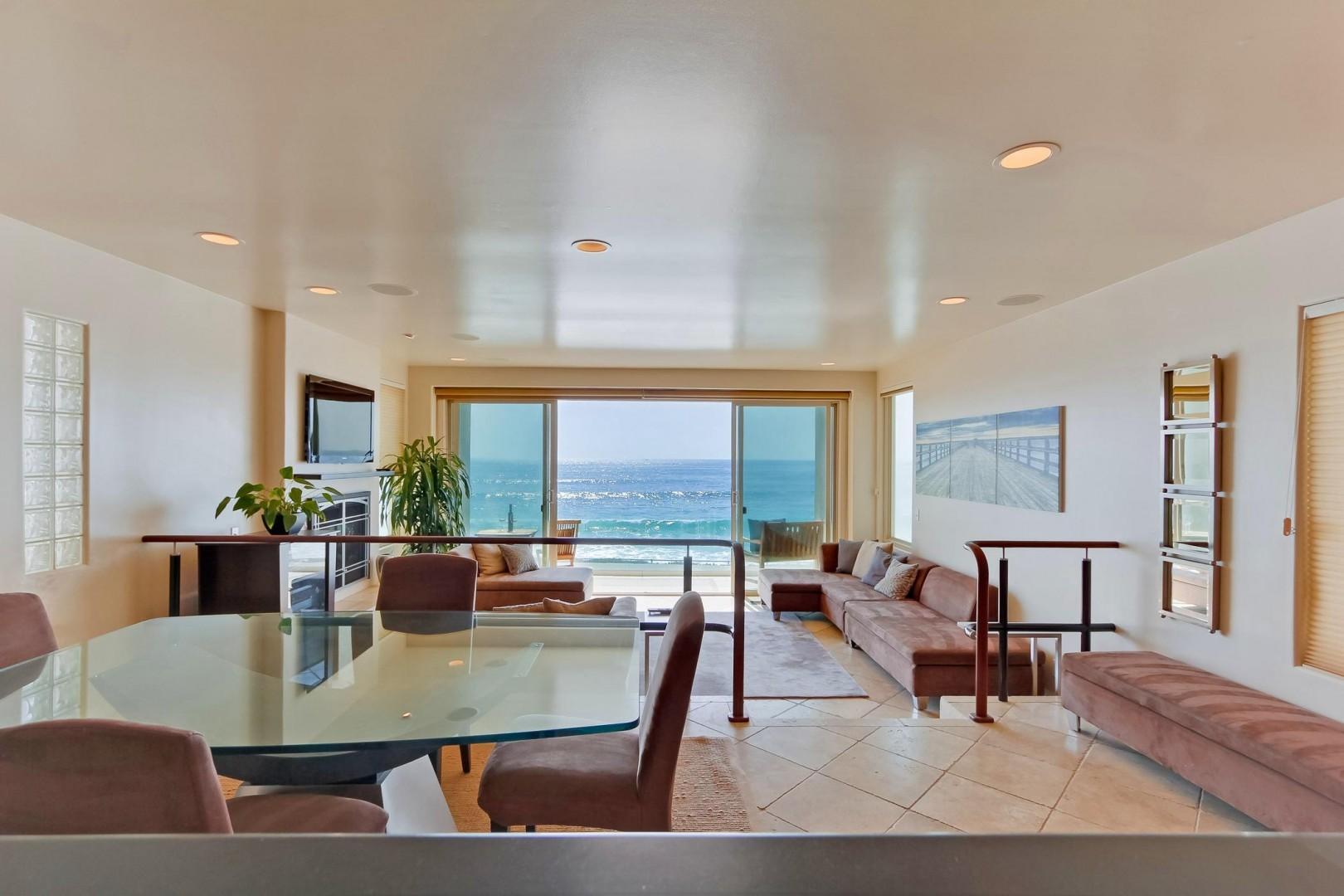 Ocean view dining