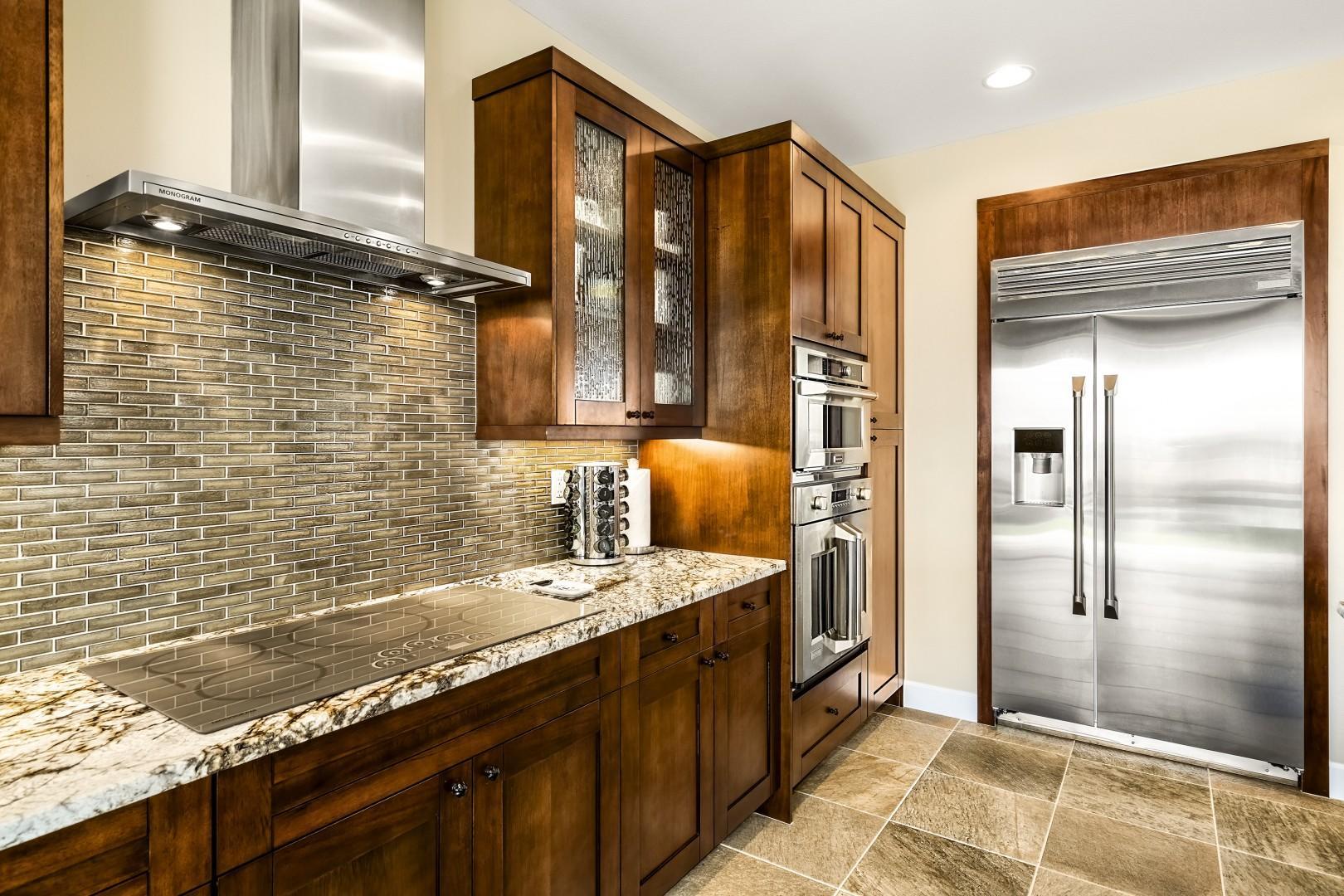 Large open concept kitchen