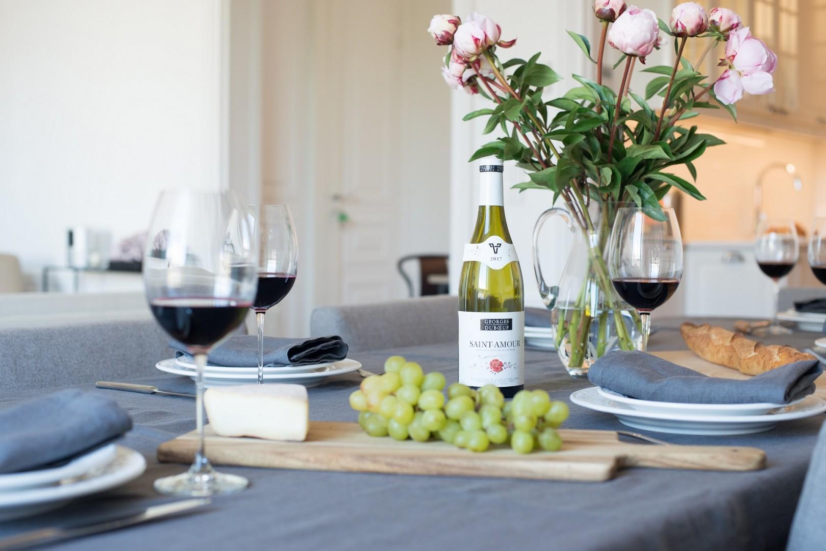 Savor the romance and elegance of the Parisian lifestyle.