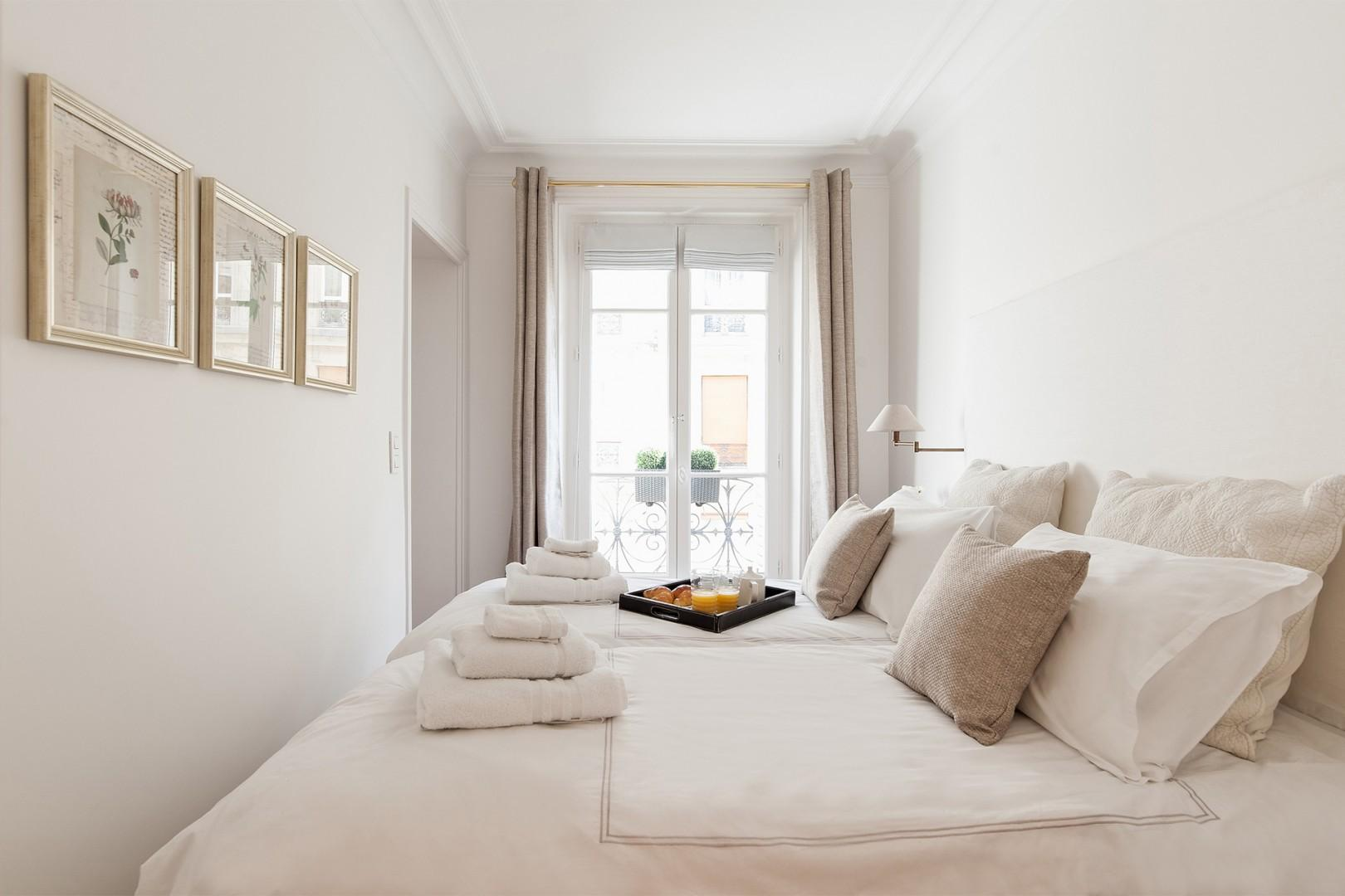 French windows allow you to wake up to the light of Paris.