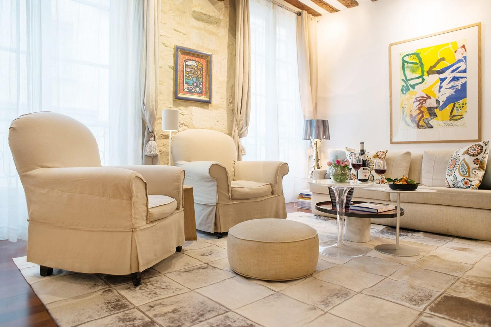 Welcome to the gorgeous and comfortable living room at the Morey!