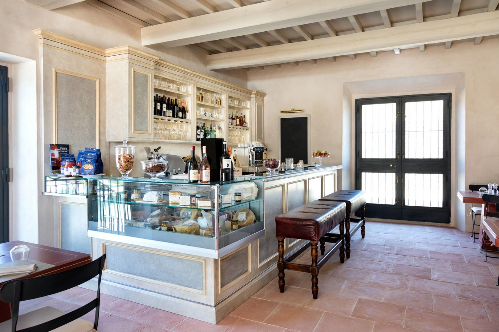 The on-site bistro serves delicious Tuscan specialties in a casual atmosphere. The shop offers local