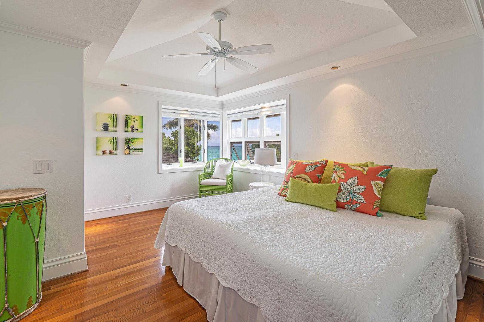 Lanikai Seashore Guest Bedroom Upstairs Oceanview