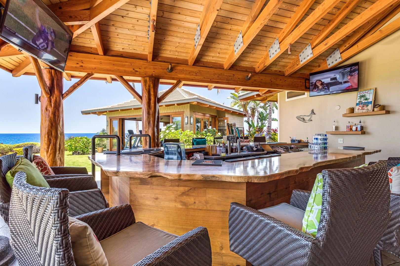 Hali'i Kai's amenities center bar and lounge seating.